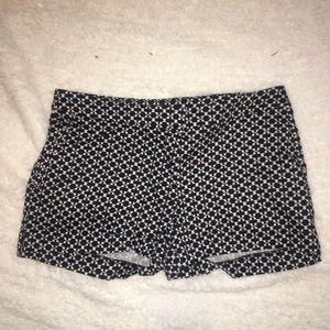 Size 8 H&M black & White shorts